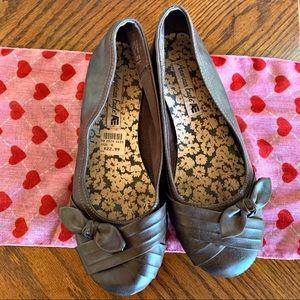 American Eagle | Brown Ballet Bow Flat Shoe Size 8